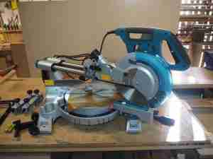 Makita compound sliding miter saw