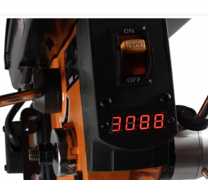 The LED screen displays the current speed of the drill press so you know the exact RPM at every moment.